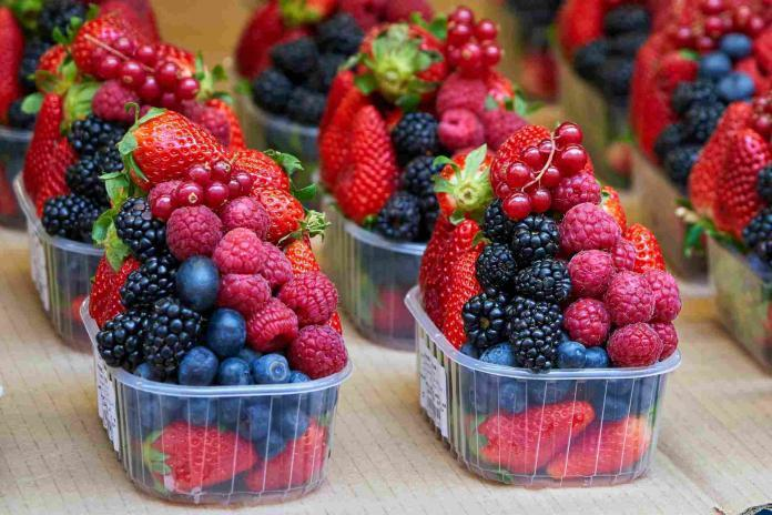 adding berries to your diet